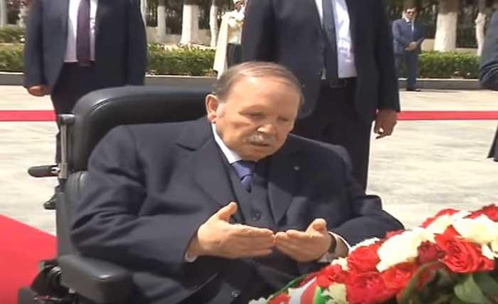 Le président Bouteflika au cimetière d'El Alia le 05 juillet 2018 - Capture d'écran d'une vidéo - express-dz.com