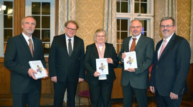 Feierstunde und Buchpräsentation: 90 Jahre-Jubiläum (13. November 2015)