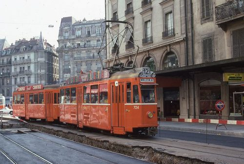 800px-Trams_de_Genève_(Suisse)_(4707883549)