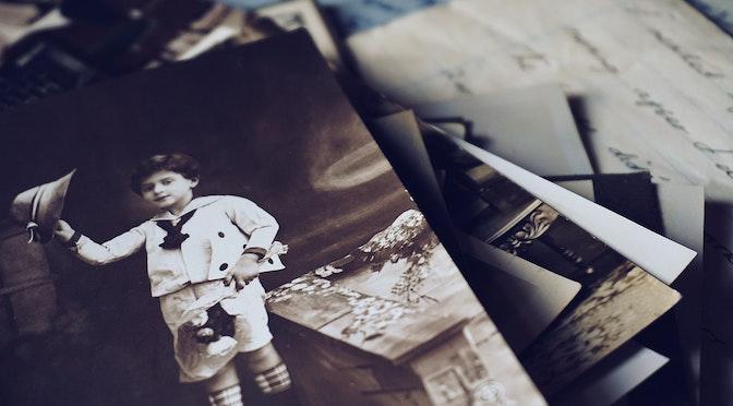Pile de vieilles photographies