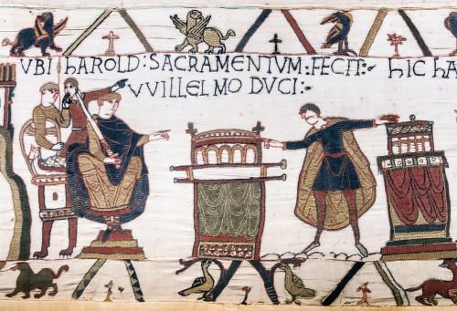 """""""Harold sacramentum fecit Willelmo duci"""". El posteriormente rey anglosajón Harold rinde homenaje a Guillermo, duque de Normandía (del tapiz de Bayeux)"""