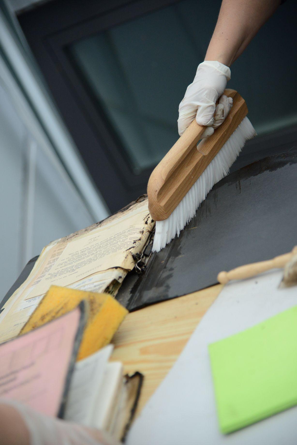 Notfall in der praxis was tun wenn das magazin im wasser steht archivamtblog - Was tun bei nassen wanden ...