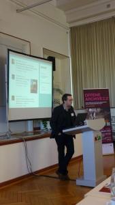 Dr. Joachim Kemper, einer der Mitorganisatoren hielt das Grußwort für ICARUS