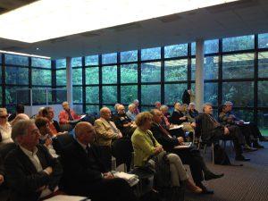 Le public à la journée Istrati dans la salle de conférences de l'Institut français de l'Éducation (Photographie AM)