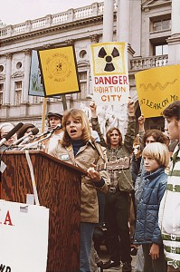 Anti-nuke_rally_in_Harrisburg_USA