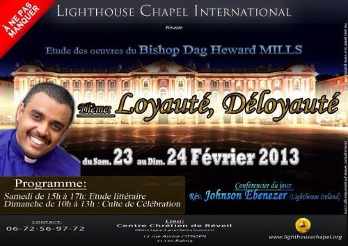 photo 3. Le Capitole, en arrière-plan d'une affiche annonçant une prochaine réunion du Centre Chrétien de Réveil