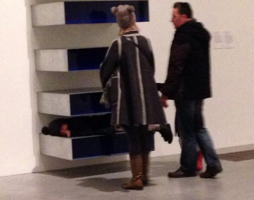 """@TheodoreArt's photo of the kid climbing a Judd. The """"London Evening Standard"""" reveals that the adults pictured are not her parents, but rather her aunt and uncle. Source: http://hyperallergic.com/106355/parents-of-the-judd-climbing-kid-speak/"""