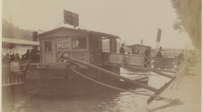 Un bateau mouche à Orsay ? Retour sur un don encombrant