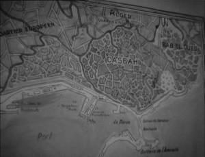 La carte d'Alger au mur du commissariat