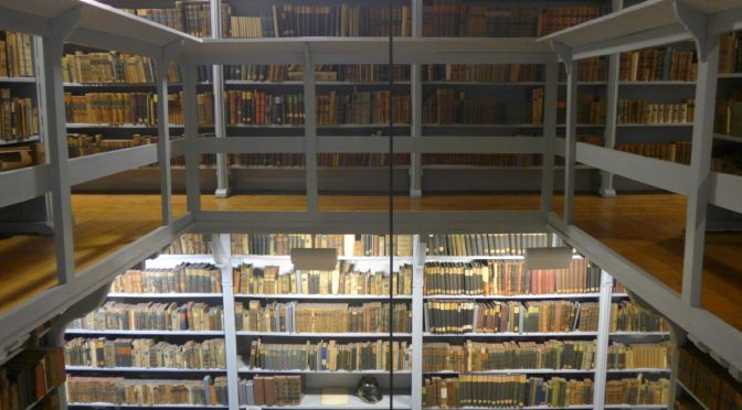 """Ein Anliegen """"von der grösten Nothwendigkeit"""" – Die Schulbibliothek des Ratsgymnasiums Bielefeld im Spiegel ihrer Schul- und Bestandsgeschichte"""