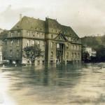 Hochwasser 1920er Jahre, Verwaltungsgebäude der Basalt AG<br /> Repro: Stadtarchiv Linz