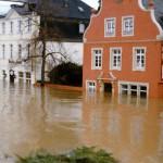 Hochwasser 1995, Am Gestade Richtung Rheintor und Burg, Foto: Stadtarchiv Linz