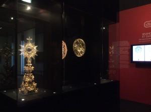 Exposição Splendor et gloria, depois de retirado o resplendor do Senhor Santo Cristo dos Milagres  Foto: MIR, nov. 2014.