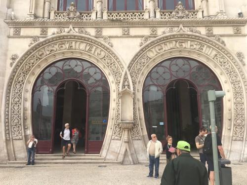 Entrada da estação do Rossio depois da queda da estátua de D. Sebastião Foto: Rádio Renascença