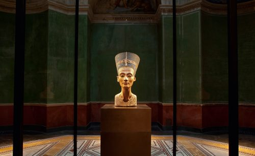 Nefertiti, no Neues Museum, em Berlim Foto: Dagmar von Schoenfeld, 2014