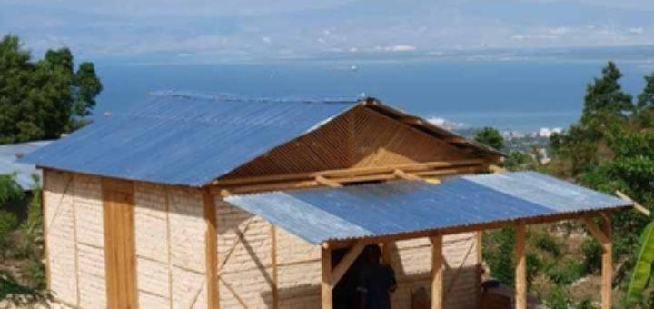 Prototype de maison à pans de bois en Haïti