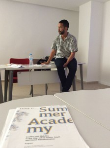 Mohamed Elshahed discussion his project at the Summer Academy