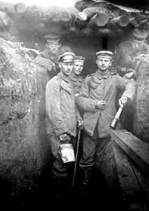18März1916Lt Hugo Devries Yrpres aug 1915
