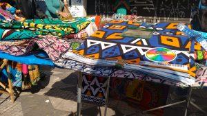 Wax produit en Chine, acheté à Lagos et revendu dans le quartier de Républica. 03 août 2016 © R. Minvielle