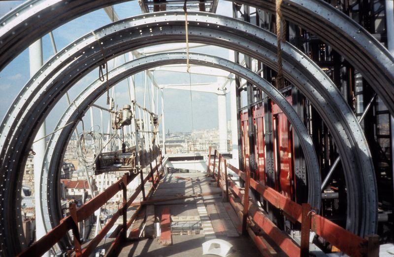 Coursives en chantier . Photographe : G. Meguerditchian (1972-1977)
