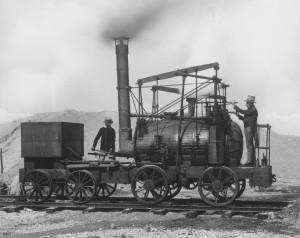 """Nachbau der ersten Lokomotive """"Puffing Billy"""" bei einer Vorführung auf der Museumsinsel, 1923. Foto Deutsches Musuem. Alle Rechte vorbehalten."""