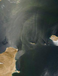 457px-internal_waves_off_somalia_nasa