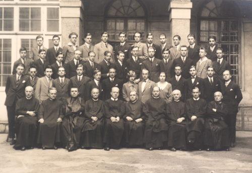 Maturaklasse 1926 (Ignaz Ephrussi in der letzten Reihe, fünfter von links).