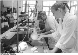 VEB Berlin-Chemie, junge Neuerer