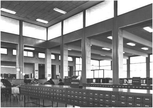 Bibliothèque Saint-Charles. Fichiers catalogues à la fin des années 1950. Archives SCD.
