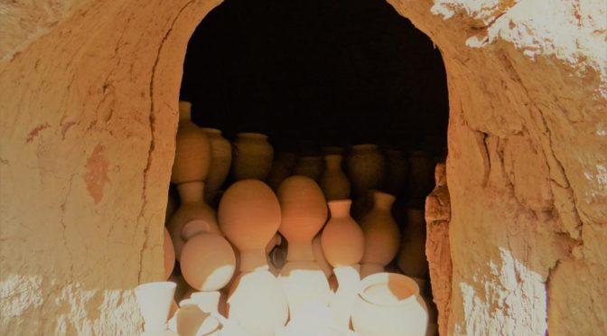 L'atelier de potier des Al-Adwi, père et fils, à Bahla (Oman)