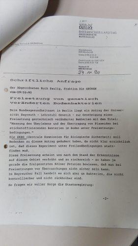 Erläuterung erbeten: Abgeordnetenanfrage zu einem genetischen Freilandversuch an der Universität Bayreuth