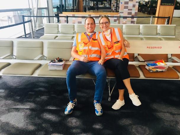 Christoph Buck und Franziska Götz am Flughafen in Brisbane