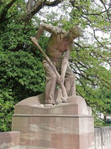 Creative Commons Wikipedia - Le Pelleteur, statue d'Alfred Marzolff