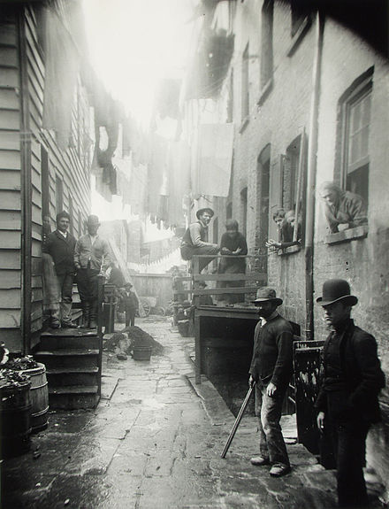 Jacob A. RIIS (1849-1914), Bandit's_Roost, 1889