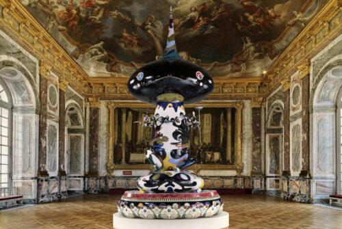 Sculpture de l'exposition Takashi Murakami au château de Versailles en 2010