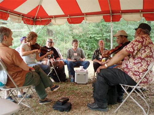 Linda Castle plays along with Ed Poullard, Balfa Camp, 2008.