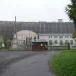 Barrage de Vezins devant l'usine électrique (Saint-Laurent-de-Terregatte, 50), Novembre 2013
