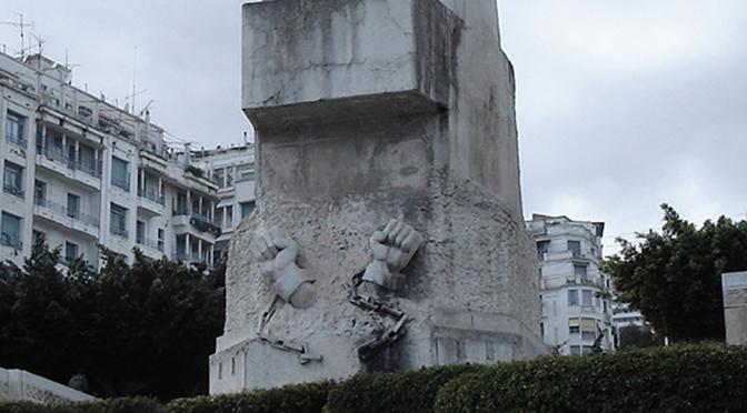 1962 vu par les monuments : l'indépendance algérienne et la redistribution de l'héritage colonial symbolique.