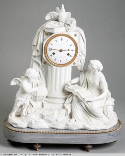 """Pendule """" à l'astronomie"""", XVIIIe siècle, biscuit, marbre et bronze, coll. part."""