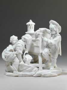 Etienne-Maurice Falconet d'après François Boucher, La Curiosité ou La lanterne magique, 1757 - 1766, biscuit de porcelaine tendre, 16 x 17 x 13,2 cm, Cité de la céramique, Musée national de céramique.
