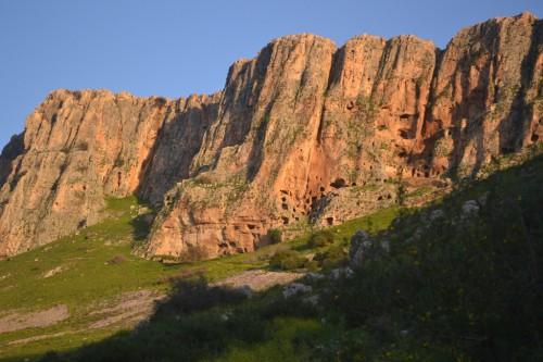 In diesen Höhlen hausten die ersten Mönche