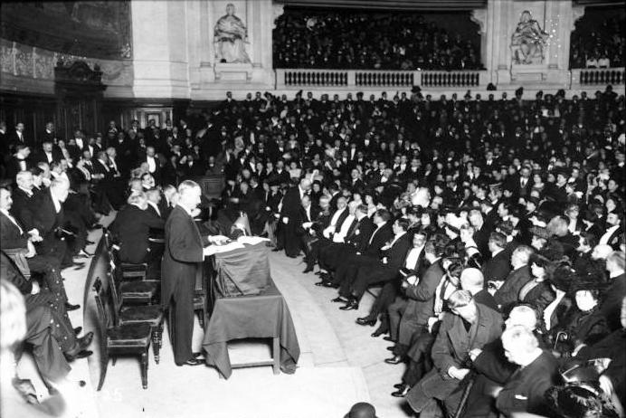 Berlin 1913-Paris 1937 : l'esthétique et la science de l'art à l'âge des congrès