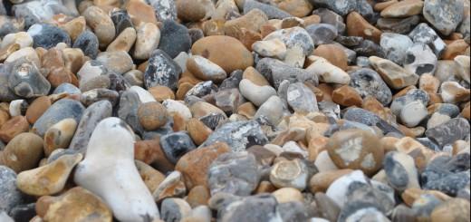 Viele kleine bunte Steine