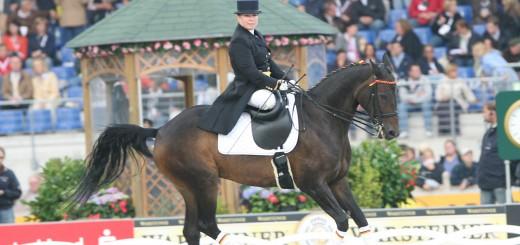 Aachen Weltreiterspiele/World Equestrian Games 26.08.2006 Schaubild/Quadrille mit behinderten und nichtbehinderten Reiterinnen Foto: Julia Rau