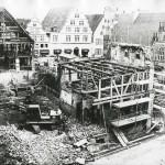 Die Westseite des Lemgoer Marktplatzes während der Sanierungsphase 1976 (StaL Fotosammlung)