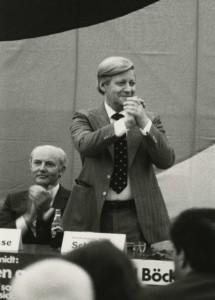 StaL N 1 (Unverzeichneter Teil), 30.04.1980, Helmut Schmidt in Lemgo, neben Bürgermeister Reinhard Wilmbusse
