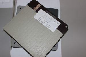 Schutzhüllen Filmrollen mit Beschriftungen (Foto: Oeben)
