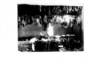 Hindenburg-Spende in Lemgo 1917, Kellerraum mit Fleischvorräten (StaL Zug. 2016/076)
