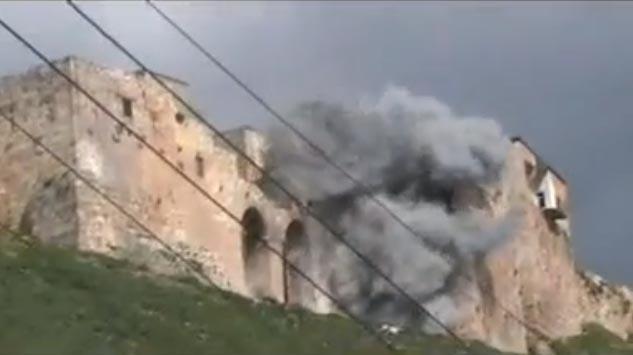 Bombardement de Qalaat al-Mudiq (15 mars 2012)