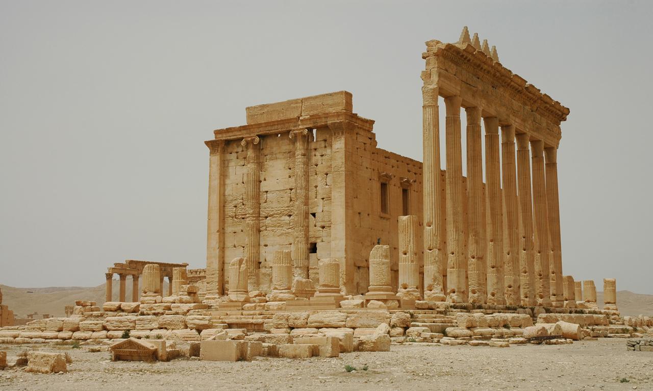 Fig. 1 : Le temple de Bel en 2007, depuis le sud-est (cliché Ifpo).